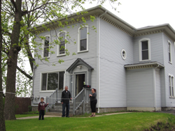 emmanuel House, Claim St. site